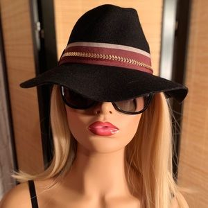 Vince Camuto Hat...